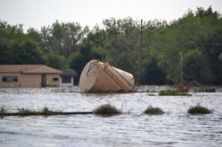 Better oil and gas drilling safeguards called for one month after Colorado floods